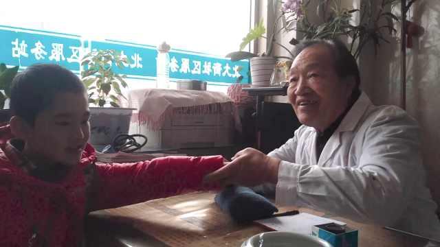 7旬村医省吃俭用为村民修桥:看他们过不了河着急