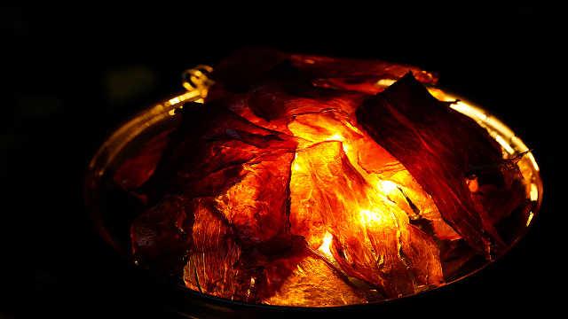 花24小时,复刻宫廷名菜灯影牛肉,薄如宣纸又透光