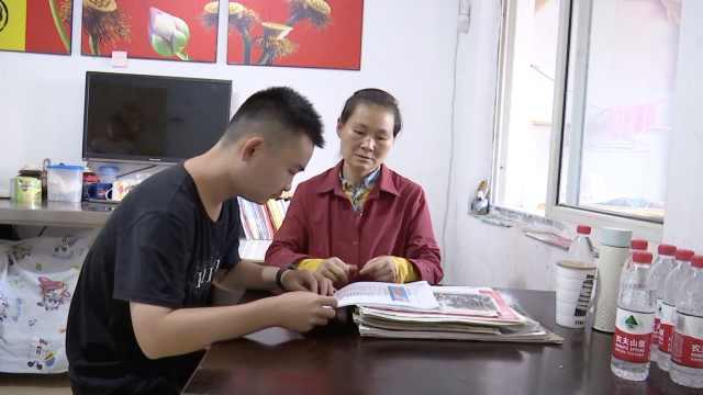 听障少年带妈妈求学11年,被5所学校录取,妈妈继续打工陪读