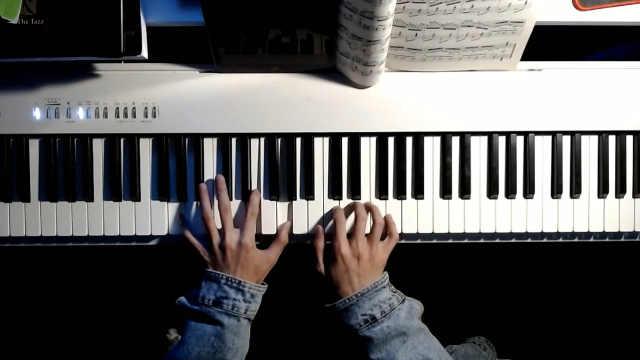 每次听到都能让人泪奔的《年轮说》钢琴演奏出不一样的深情~