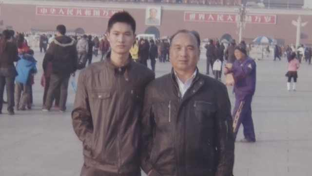 父子曾相隔38年上阅兵场:站同一排面同一位置