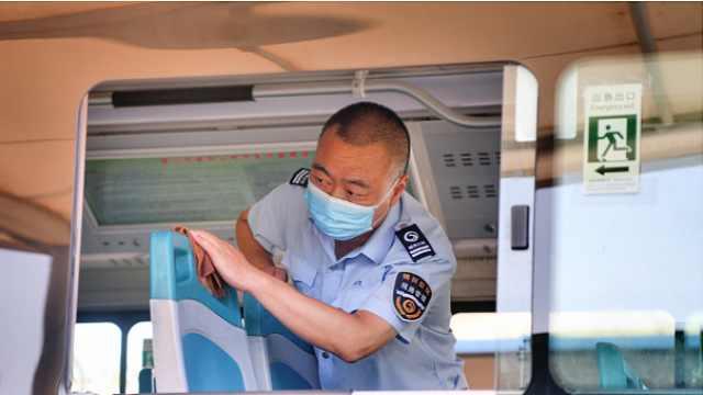 银川公交实行每趟一消杀,确保市民安全乘车