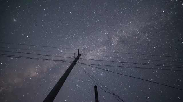绝美!90后小伙辞职回乡拍摄星空:向往大山生活,圆儿时的梦