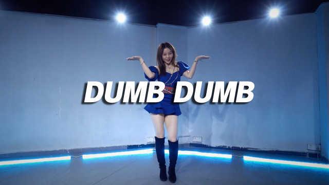 苗苗翻跳SOMI《DUMB DUMB》,夏日甜心