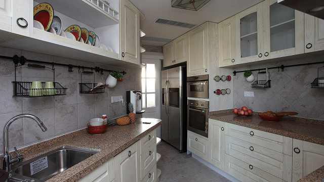 厨房装修先装吊顶还是橱柜?老师傅给出最正确的顺序!真实用