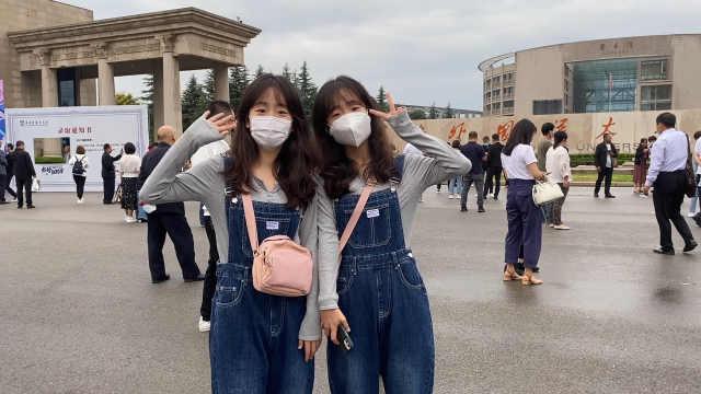 开学季|甜美双胞胎姐妹考入同所大学:能相互照应,会接受分别