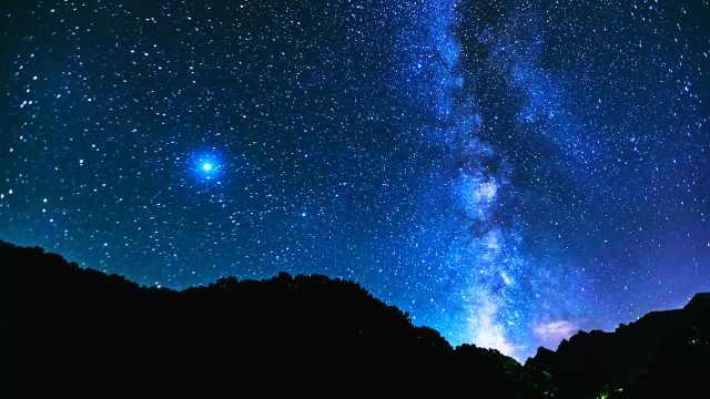 太浪漫!延时拍摄洛阳白云山银河星斗,漫天璀璨如坠梦境