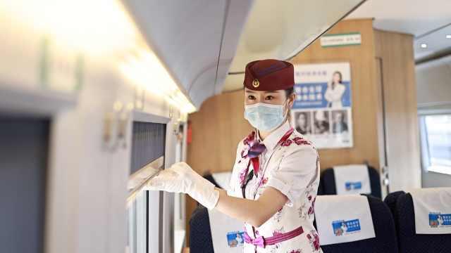 宁夏妹子重庆当动姐11年中秋没回家:送旅客到家时寄托思乡情
