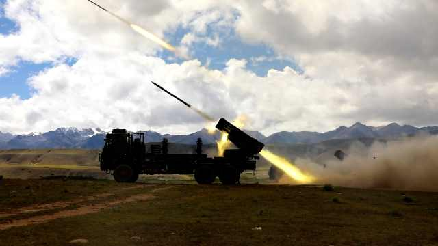 航拍海拔4500米雪域高原实弹火箭爆破雷区,现场震撼如大片