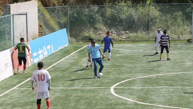 跟拍云南盲人足球队:听声识人辨球戴多层眼罩,队员曾撞掉门牙