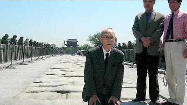 一座中国建筑,日军炮击13次却毫发无伤,日本人还来这里跪拜