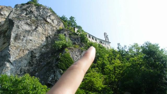 意大利悬崖边的古教堂
