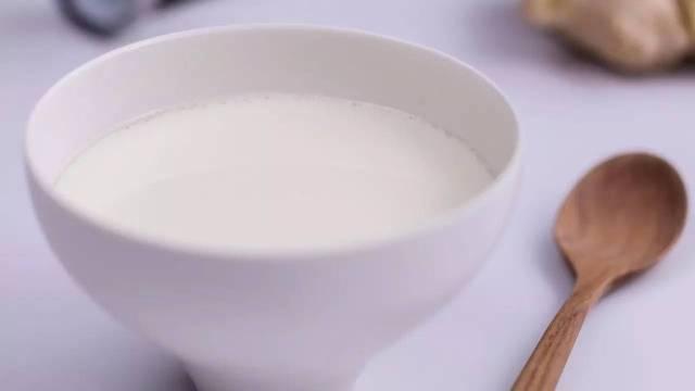 姜撞奶,牛奶与姜的完美反应!