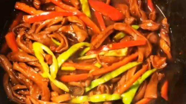 美味下酒菜:五香花生,酱烧猪肚丝