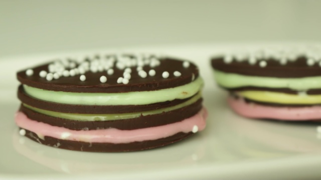 弹性十足的棉花糖遇到高冷的巧克力