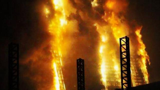 百层高楼突发大火如何瞬间扑灭