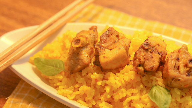 姜黄焖鸡饭,而不是黄焖鸡米饭哦