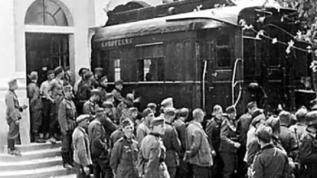二战中法国投降仪式为何在车厢举行