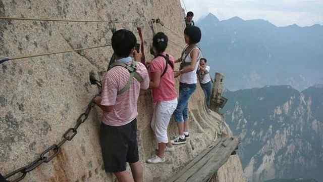 中国最惊险的景点,悬崖上的栈道