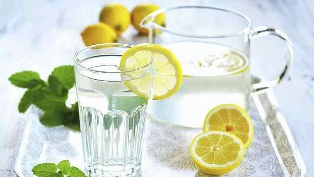 自制柠檬水,喝了能美白减肥
