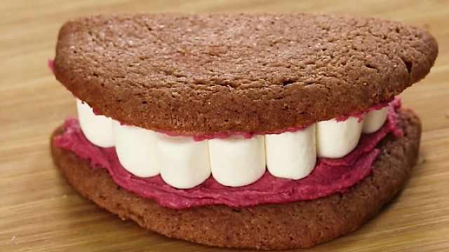 这不是恐怖电影!疯狂的假牙饼干