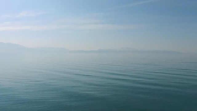 航拍新疆赛里木湖,如天空之湖般!
