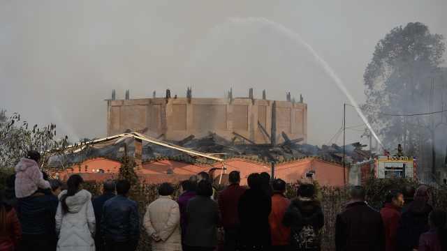 号称亚洲第一高木塔大火只剩下基座