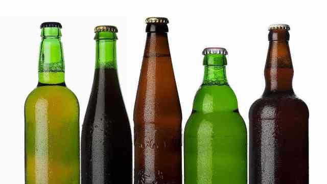 啤酒瓶为什么不是绿色就是棕色?