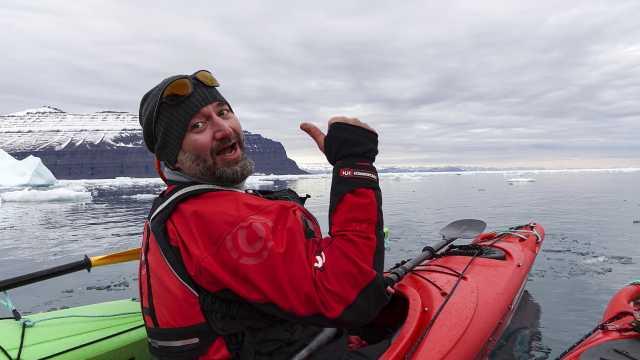 穿梭于冰川之间,极致的户外体验