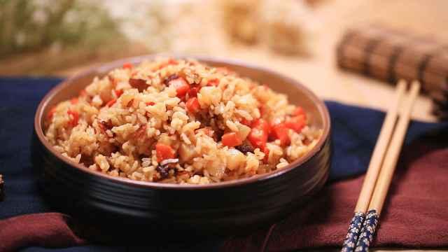 冬季必学美味:腊肉土豆焖饭