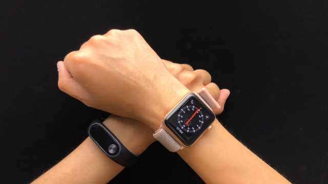 149元的小米手环对比Apple Watch!