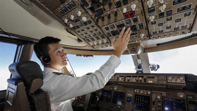 机长在飞机上都要干些什么