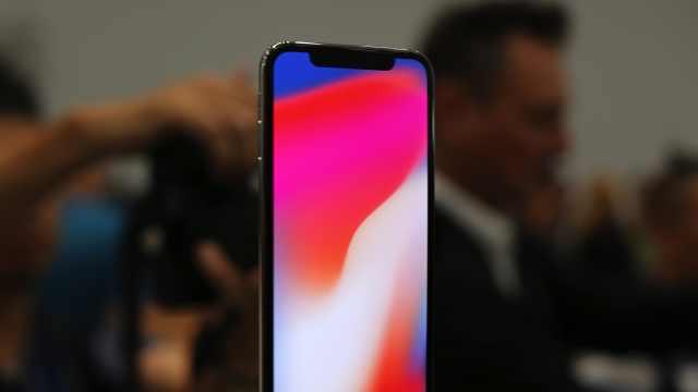 为何 iPhone X 有刘海,小米没有?