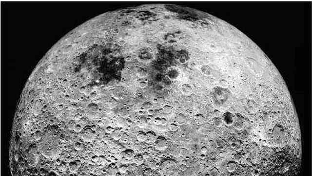 揭秘:为什么地球没有大型陨石坑