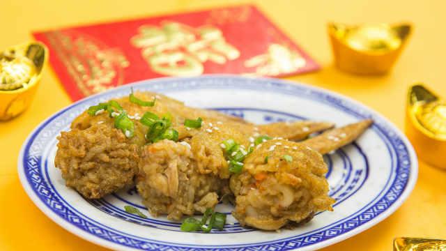 春节做道肉香四溢的鸡翅包饭吧!