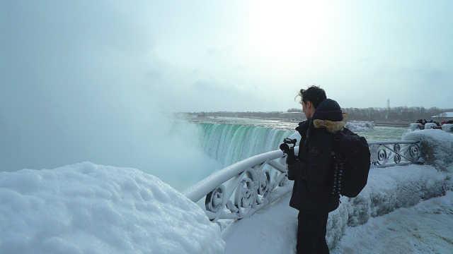 跨三国瀑布被冻住,绝美之境!