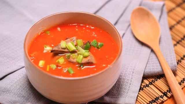 一碗护肝补血又养颜的番茄猪肝浓汤