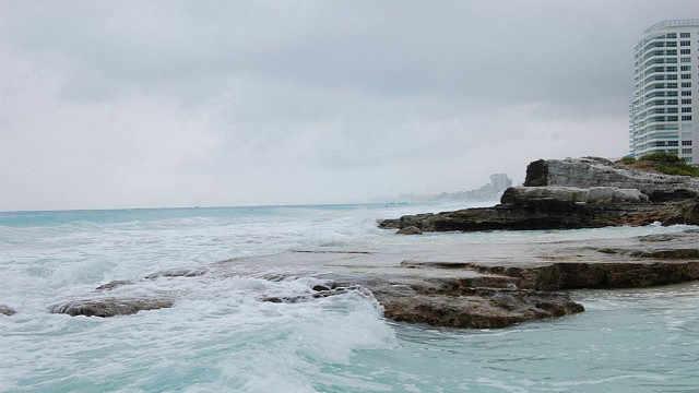 前海沿最后养殖池拆除