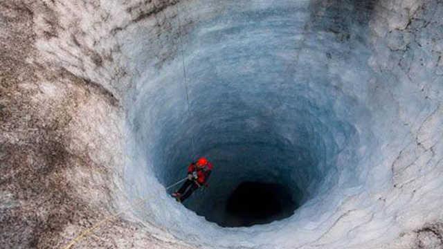 在地球上挖无底洞,跳进去会怎样?
