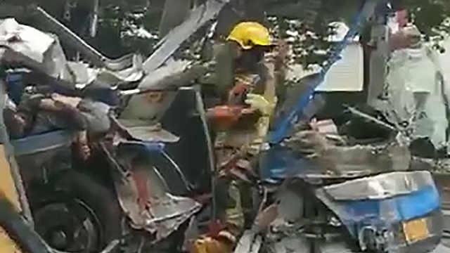 绍兴公交货车相撞致一人身亡