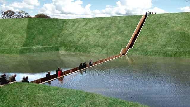 荷兰这座大桥真奇怪,建在水面下