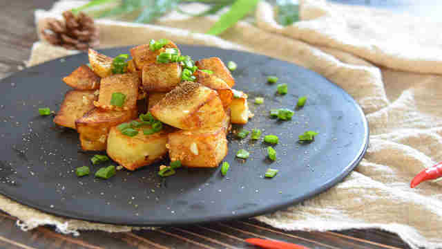 孜然土豆越吃越香,根本停不下来