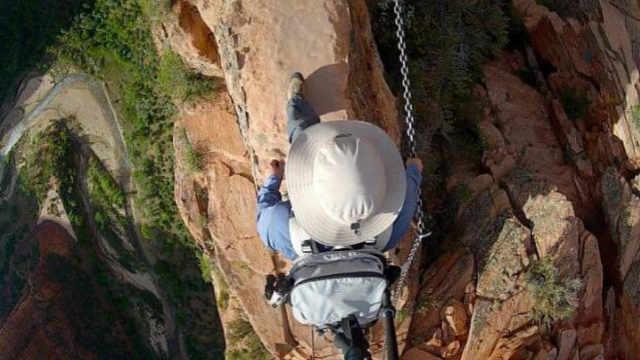 险峻的美国锡安国家公园