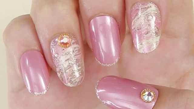 粉色美甲,你喜欢吗?