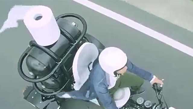 马桶摩托车,开出去一定很拉风!