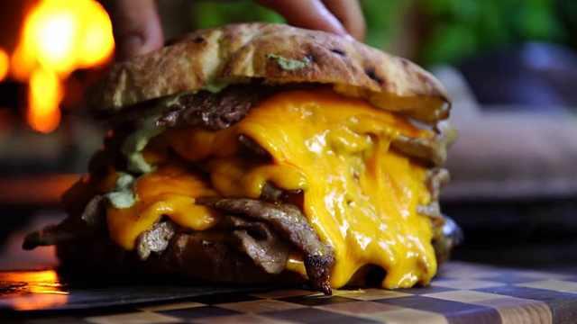 你有你的夏天,我有我的汉堡!