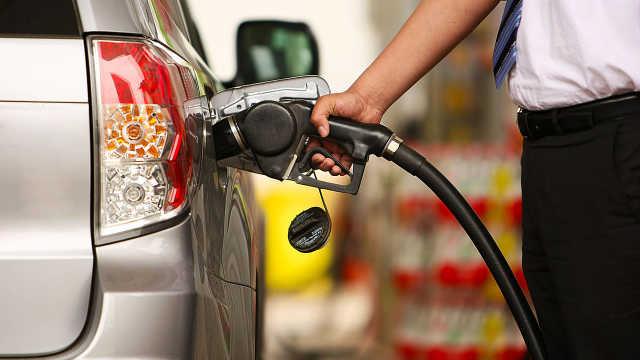 每次都加满油,对车的危害有多大?