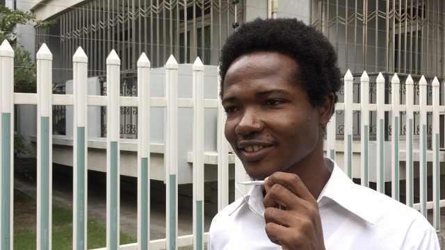 非洲留学生复旦读博:上海比刚果热