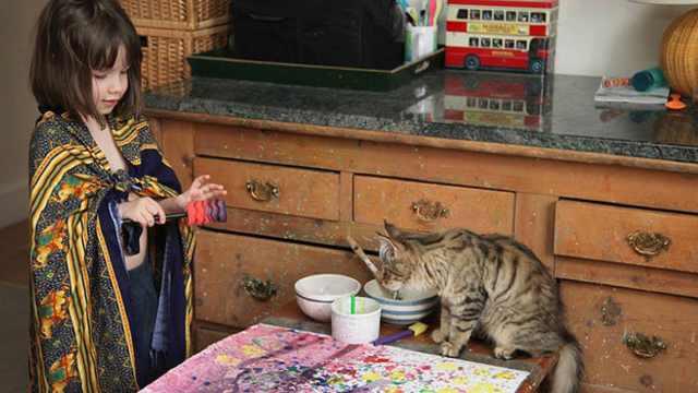 自闭症女孩遇见猫,成为了小画家