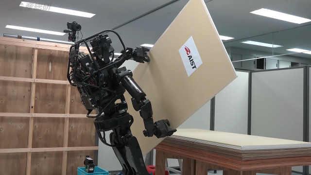 日本科研人员研发建筑机器人